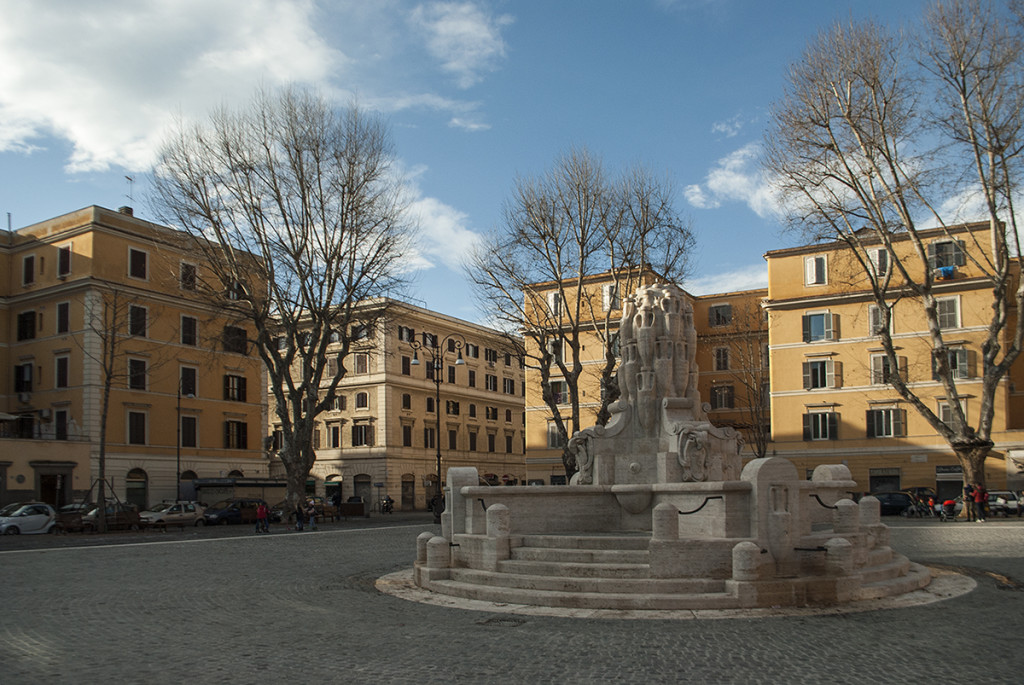Piazza Testaccio gets back its monument